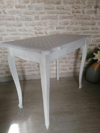 relooking de meuble le mans sarthe table shabby gris blanc pois couture pochoir