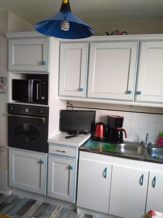 relooking meuble cuisine en chêne repeint blanc ceruse bleu camaelle le mans sarthe