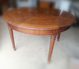 Table en merisier relooké en blanc effet usée