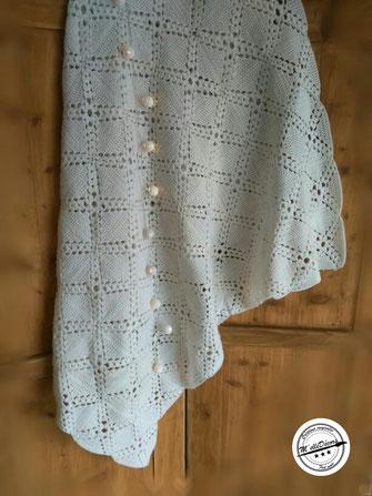 Plaid crochet 1.15x1.50cm, Tarif location; 5€ Caution: 20€, existe en 220x180cm, Tarif location: 12€ Caution: 30€
