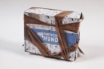 Fantasiehund Second Hund Tobi in einer Box