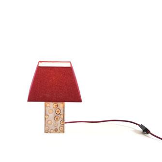 Tischlampe Sina, Leuchte aus Ästen in Epoxidharz eingegossen
