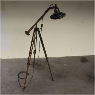 Lichtobjekt Lampe, Kraftobjekte Wolfgang Wallner Hall in Tirol