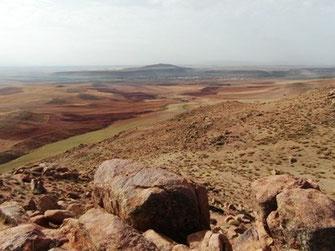 Habitat et espace de vol de l'Adrar Lakhba, région de Boumia, Moyen Atlas méridional, ©Frédérique Courtin