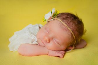 newborn in slaapkamer
