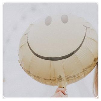 Foto Smiley und Grafik mit Infos zum Thema Citrin Edelsteine und Schmuck