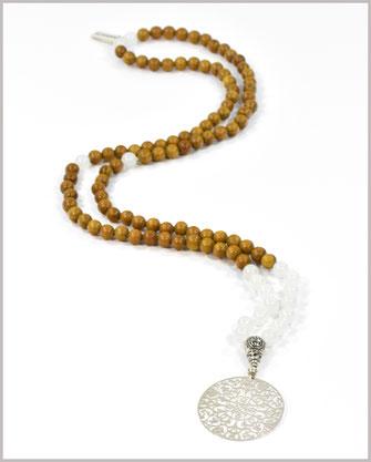 Mala mit Jade Edelsteinen und Sandelholz Perlen - Bhakti