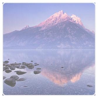 Foto schöner Berg mit Infos zum Thema Bergkristall Edelsteine und Schmuck
