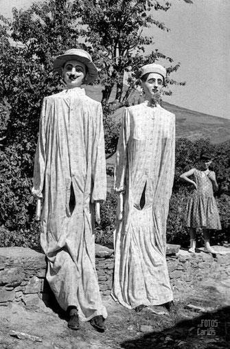 Fiestas en la Hermida Mayo 1958 Gigantes