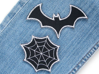 Bild: Bügelbilder Spinnennetz und Fledermaus schwarz, gruselige Bügelflicken für Halloween