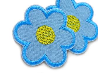 Bild: kleine gestickten Blumen Jeansflicken als Bügelflicken zum Reparieren von Kleidung