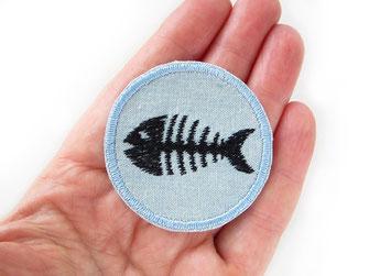 Bild: Bügelbild mit schwarzem Fischskelett, Fischgräten Aufnäher zum aufbügeln