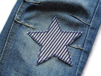 Bügelflicken auf Jeanshose aufbügeln Anleitung