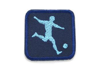 Bild: Bügelflicken mit Fußballer dunkelblau, Hosenflicken für Sportler, nachhaltig Hosen reparieren