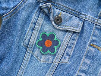 Bild: Retro Blumen Aufnäher orange grün als Accessoire zum aufbügeln