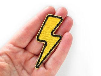 Bild: gelber Blitz Bügelbild, Aufbügler gelber Pfeil gestickt, Patch zum aufbügeln