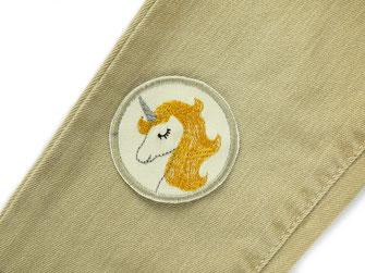 Bild: Einhorn Bügelbild als Jeansflicken zum aufbügeln dunkelblau mit Mähne in flieder