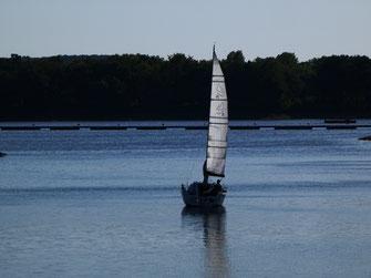 Segelboot auf dem Haltener Stausee