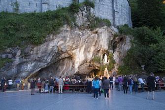 La grotte des apparitions à Lourdes
