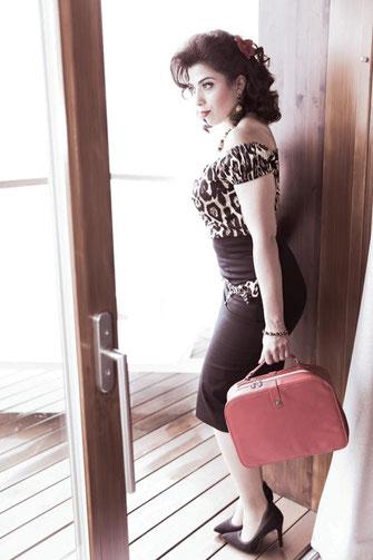 Bilder/Bearbeitung : Bea Zeidler-von Werdt , www.beautifulpics.ch / Model: GioVita Verolla / Schmuck www.perltrend.com / Outfits: Mel Chevelle Antener,  www.starheels.ch / Visa und Hair: Olivera Antić, Lisa Rizzo Mauro