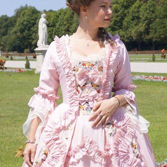 Robe a la Francaise 18. Jahrhundert