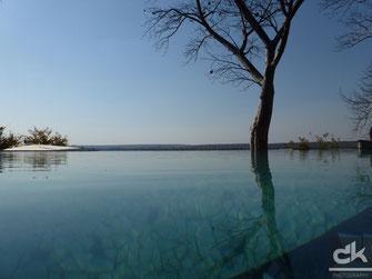 Pool im River Club am Sambesi