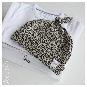 babykleding baby mutsje prematuur leopard luipaard panter print
