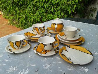 Keramik Tassen Teller Zuckerdose TeeService für 4 Personen gelb weiß mit Kuchenteller