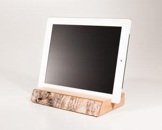 Bild: iPad tablet Halter aus Holz Rinde halterung