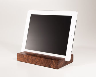 Bild: iPad Halter aus Holz, Holzständer iPad Air und tablet