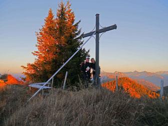 Die Chiemgauer Alpenlandschaft ist wunderschön.  Unzählige Wanderwege und Hütten warten darauf, von Ihnen erkundet zu werden.