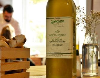Pane artigianale con lievito madre ed olio extra vergine di oliva della riviera ligure all'Ombelico Rivoli Torino