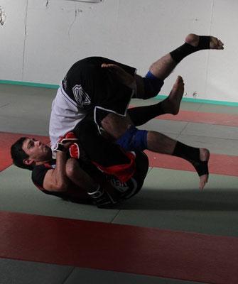 Phase de combat au sol en MMA ou grapling