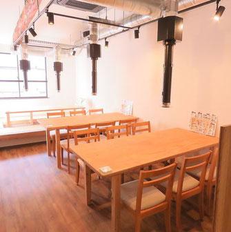 ◎テーブル4名様◎ 1階に1席、2階に2席、ご用意しております。