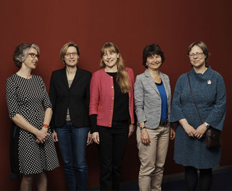 Die Verwaltungsrätinnen: Carola Scotoni Berger, Irène Wyss, Irène Meier, Gisela Heim, Jeanne Pestalozzi v.l.nr. (Bild: Mara Truog)