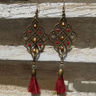 Mademoiselle Galinou propose des créations fantaisie en verre de Murano mode et tendance.
