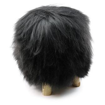 Pouf tabouret assise en peau de mouton islandaise noire poils longs