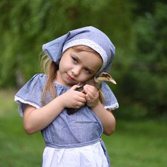 dziewczynka kaczuszka