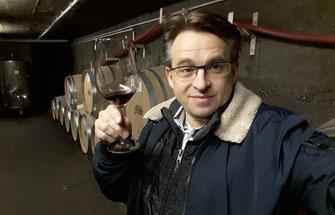 Bei einer Weinprobe an der Ahr bleibten Sie als Teilnehmer nicht ganz nüchtern.