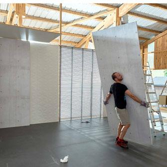 Making Of Szene Ich trage die Wand....AUFBAU EINES FOTOSTUIDIOS mobiles aber stabiles Wandsystem für die Montage von Badkeramik / Betonwände und Lammelenwände