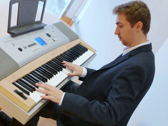 Maximilian J. Zemke Klavier Musik Piano Music Vernissage
