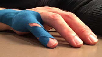 Taping in der Praxis für Physiotherapie Aarau, Kirsten Pohlmeyer Butscher