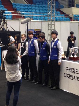 右端が優勝のキム・テカン(Kim Tae Kwan)