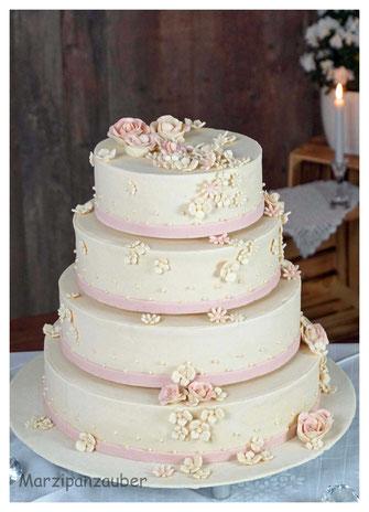 Hochzeitstorte, Wedding cake, Zuckerspitze, Marzipanrosen, Marzipanblüten, Marzipandecke weiß, Marzipanzauber