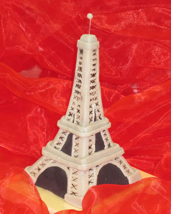 Marzipan-Figur Eiffelturm, Marzipanzauber, Sonderanfertigung, Marzipangeschenk, Tortendekoration