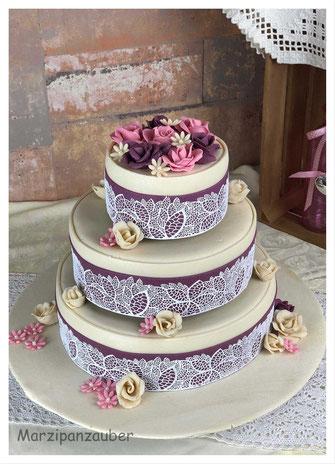 Hochzeitstorte-Marzipan-wedding cake_Zuckerspitze_Marzipanzauber