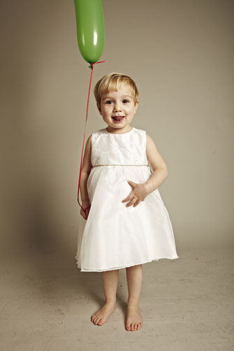 Kinderkleid Martha mit Stickereien