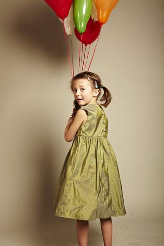 Kinderkleider Martha oliv