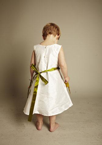 Kinderkleid mit Schleife