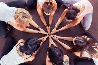 yoga lehrer ausbildung, kleine gruppe, weiterentwicklung, zweiter bildungsweg, gleichgesinnten